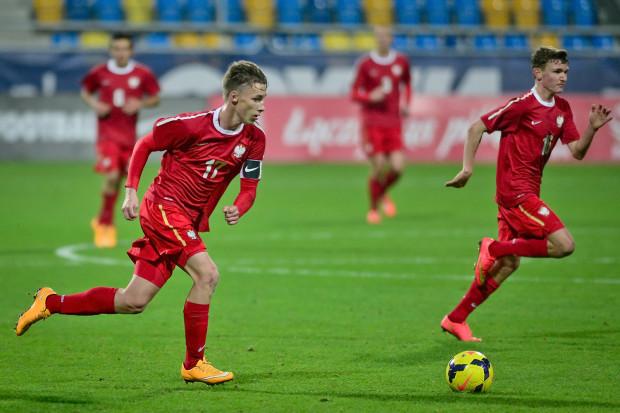 Oktawian Skrzecz ma ważny kontrakt z Schalke do 30 czerwca 2016 roku, a ponadto znajduje się w nim klauzula, że niemiecki klub ma prawo przedłużenia o kolejne dwa lata angażu byłego piłkarza gdańskich: Lechii i KS Olivia.