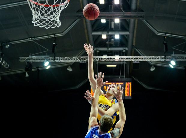 Jednym z wyróżniających się w statystykach Tauron Basket Ligi zagranicznych graczy jest Ovidijus Galdikas, środkowy Asseco. Gdyński klub i tak wyróżnia się jednak tym, że sporą rolę odgrywają w nim krajowi zawodnicy.