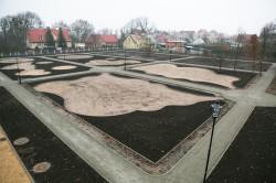 Oprócz placu zabaw wyznaczono kolejne tereny rekreacyjne, które mają być otoczone zielenią.