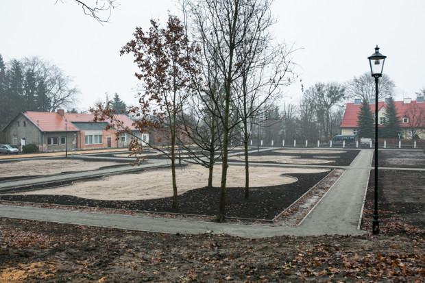 Powoli widać zmiany w rewitalizowanym właśnie Parku Oruńskim.