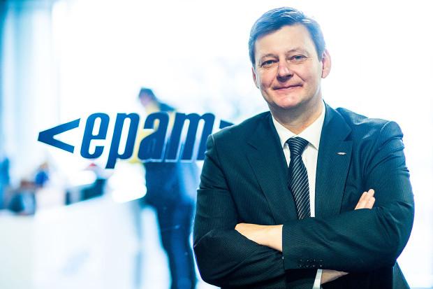 - Unikalna atmosfera pracy jest wyróżnikiem naszej spółki. Co więcej, podejście EPAM do rozwoju pracownika jest jasno zdefiniowane i przejrzyste. Jest to proces, który rzeczywiście stwarza szanse osobom, które chcą się rozwijać - twierdzi Michał Lisiecki, dyrektor oddziały EPAM Systems w Gdańsku.