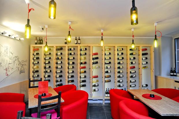 W Nievinnie napijemy się kilkudziesięciu win z całego świata.
