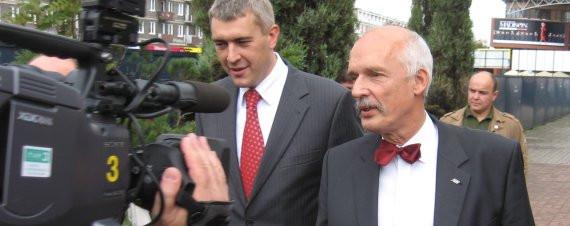Historia zatoczyła koło. W 1993 r. Roman Giertych startował w wyborach do Sejmu z pierwszego miejsca na liście UPR w Kielcach. Teraz były szef UPR Janusz Korwin-Mikke jest liderem listy wyborczej LPR w Gdańsku.