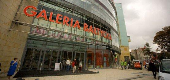 """Właściciele Galerii Bałtyckiej chcieliby, by gdańszcznie umawiali się na spotkania """"pod zegarem"""", czyli przed głównym wejściem do centrum handlowego."""