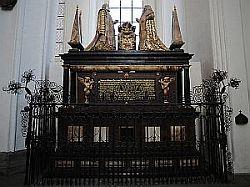 Nagrobek Simona i Judith Bahr, ustawiony w kościele Mariackim w 1620 r. Dzieło Abrahama van den Blocke'a.