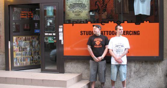 - Kto uważa, że tatuaż nie jest sztuką, niech wpadnie w weekend do CSG, a szybko zmieni zdanie - mówią organizatorzy Tatto Konwentu, Adam Jakubowski i Marcin Paczesny.