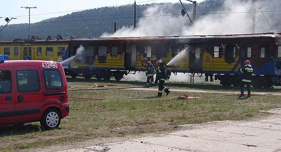Gdynia: gaszenie pożaru wywołanego wybuchami bomb poszło bardzo sprawnie.