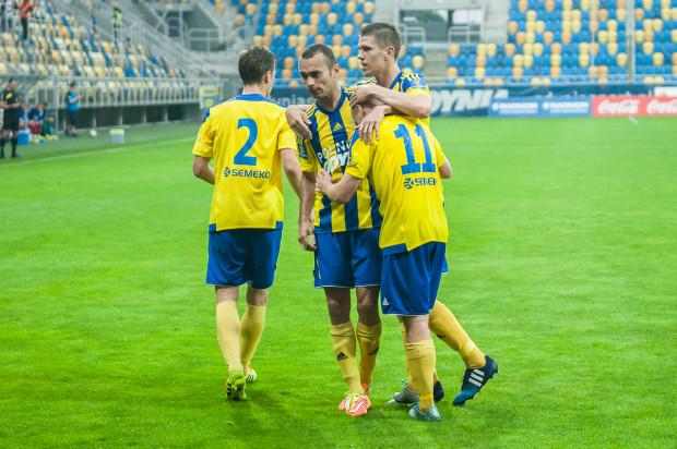 Marcus (w środku) i Rafał Siemaszko (nr 11) złamali opór Pogoni. Tym samym mecz, który Arka rozpoczęła od 0:1, zakończył się pewną wygraną gdynian.