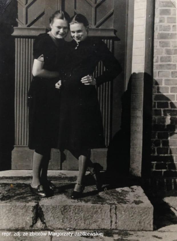 Zdjęcie Małgorzaty (z prawej) wykonane w 1940 r.