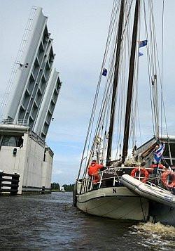 Holenderska infrastruktura wodna jet przygotowana do obsługi ogromnej ilości jednostek pływających.