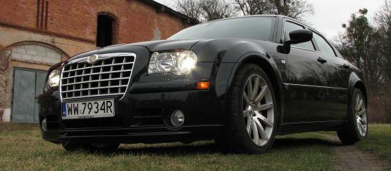 Chrysler 300C SRT8 - nic dodać, nic ująć. Czysta, brutalna moc.