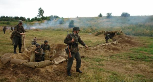 Obrona Kępy Oksywskiej przeszła do historii Polski i do dziś przypomina się ją podczas rekonstrukcji.