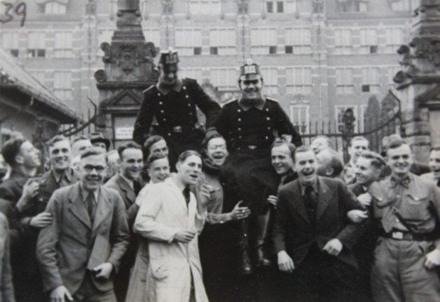 Radość niemieckich mieszkańców Gdańska po przyłączeniu miasta do III Rzeszy we wrześniu 1939 r.