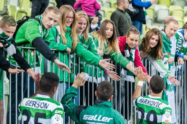 Jerzy Jastrzębowski jest zniesmaczony postawą Lechii, ale uważa, że z klubem trzeba być na dobre i na złe, a kibice nie powinni odmówić w niedzielę dopingu piłkarzom.