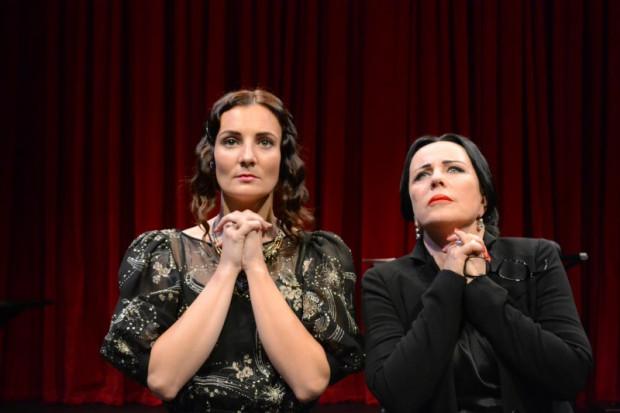 """Spektakl """"Maria Callas. Master Class"""" z warszawskiego Och-Teatru z Krystyna Jandą w tytułowej roli, będzie można zobaczyć 11 i 12 listopada na Dużej Scenie Teatru Wybrzeże."""