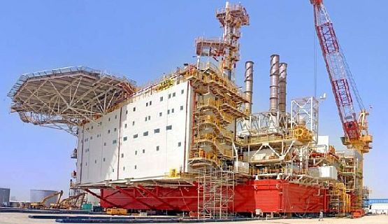 Właściwa cześć platformy, tzw. MOPU (Mobile Offshore Production Unit) przygotowywana jest do wysłania do Norwegii.