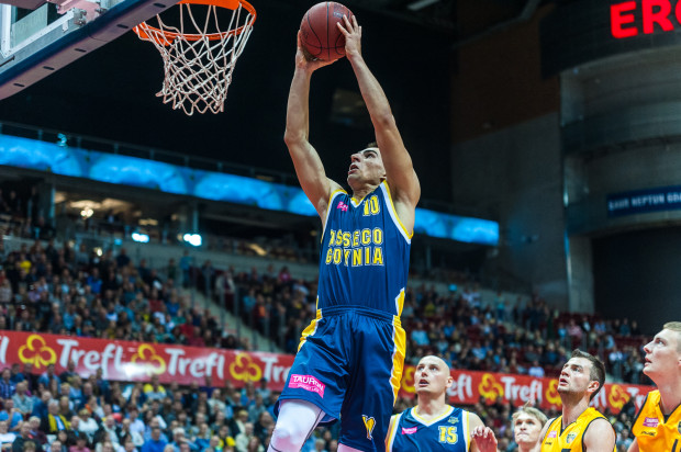 Odważne wejścia pod kosza to znak rozpoznawczy Przemysława Żołnierewicza w obecnym sezonie Tauron Basket Ligi.