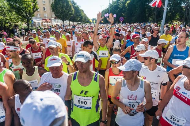 Popularność biegów długodystansowych w Trójmieście systematycznie rośnie. W niedzielnym półmaratonie w Gdańsku chęć startu zadeklarowało 4 tysiące osób.