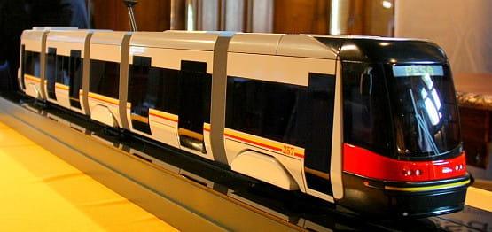 Tak prezentuje się makieta tramwaju 120Na z malowaniem warszawskim. Podobny już wkrótce ujrzymy na gdańskich torach.