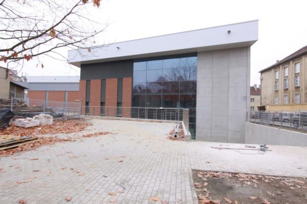 Budynek Centrum Konserwacji Wraków w Tczewie, pod koniec budowy.