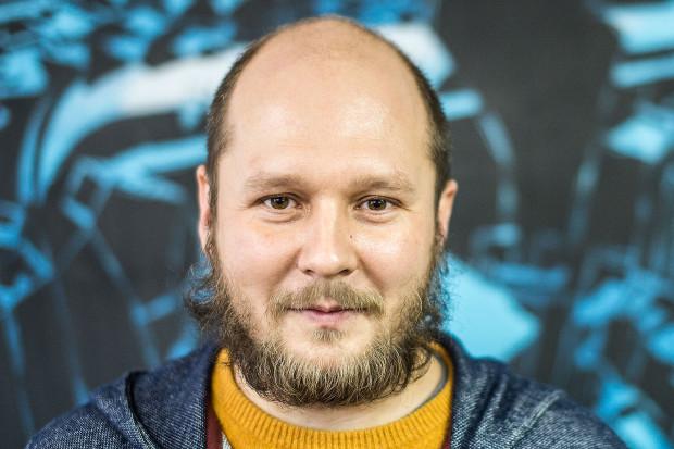 Z Mariuszem Warasem spotkaliśmy się w jego nowej pracowni przy ul. Wiosny Ludów 4.