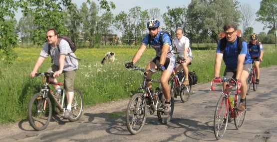 W większości szlak wiedzie drogami asfaltowymi dlatego warto się tu wybrać rowerem trekkingowym, a nawet szosowym