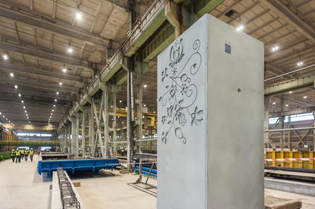 Do dwóch dotychczasowych fabryk zlokalizowanych w Poznaniu i Bielsku-Białej dołączyła trzecia, w Gdańsku. Obecnie prowadzona jest modernizacja zakładu Kokoszki Prefabrykacja.