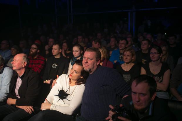 Widzowie, którzy poprzez usadzenie na krzesłach i fotelach pod sceną mieli ograniczone możliwości aktywnego odbioru koncertu. Nie przeszkadzało to im jednak nagradzać każdy kolejny utwór gromkimi oklaskami.