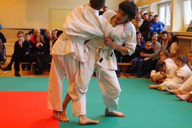 Treningi judo dla niepełnosprawnych intelektualnie funkcjonują z powodzeniem w różnych polskich miastach. Mogą stanowić cenny element terapii.