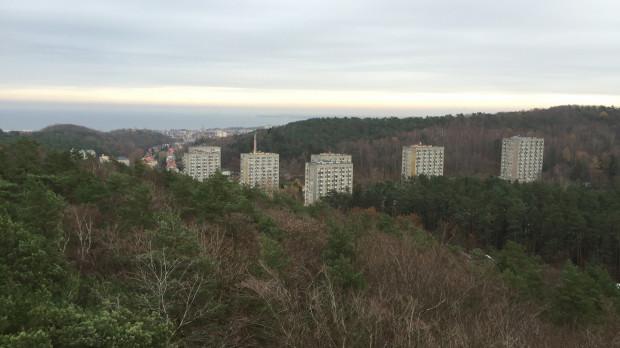 Widoki rozpościerające się ze szczytu wieży na Rysim Wzgórzu.