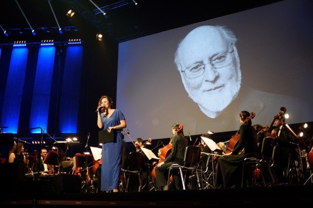 W tym roku Mikołaj pamiętał nie tylko o najmłodszych, ale i o fanach muzyki filmowej. Mikołajem był John Williams a prezentami, wspaniałe ścieżki dźwiękowe jakie stworzył do hollywoodzkich superprodukcji.