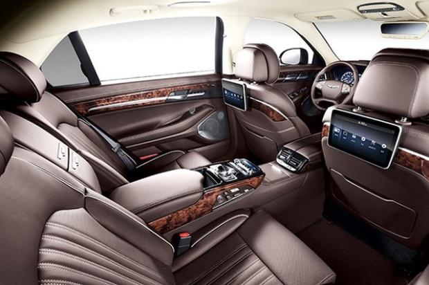 We wnętrzu G90 czuć bogactwo i luksus.