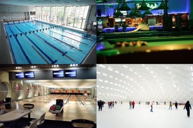 Okres świąteczny wiele osób traktuje jako dobry moment, aby aktywnie spędzić czas. Można wybrać się m.in. na basen, łyżwy, kręgle, czy pograć w bilard.