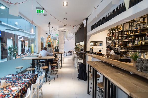 Kowall to restauracja z kuchnią autorską w centrum handlowym na peryferiach Gdańska. Klientów nie brakuje, nie tylko z okolicy.