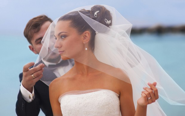 Chociaż duże sumy wydane na organizację wesela nie zapewniają trwałości związku, wciąż nie brakuje chętnych, którzy inwestują fortunę w tę uroczystość.