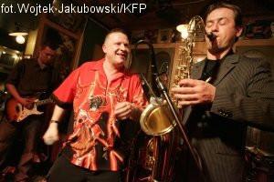 W koncercie weźmie udział m.in. Jarek Janiszewski, lider gdańskiego zespołu pastisz-rockowego Bielizna.