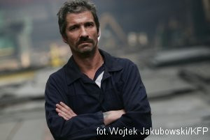 Pomysłodawcą i dobrym duchem koncertu jest Zbigniew Stefański, stoczniowy malarz i pieśniarz.