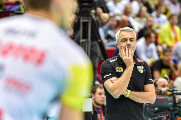 Trener Andrea Anastasi miał w Rzeszowie duży ból głowy. Po raz pierwszy odkąd pracuje w Gdańsku musiał radzić sobie bez dwóch podstawowych przyjmujących.