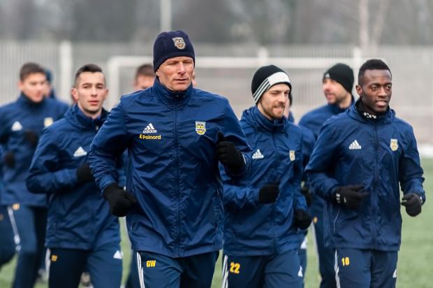 Grzegorz Witt na czele biegnących piłkarzy Arki to stały obrazek na treningach gdyńskiej drużyny nie tylko w okresie przygotowawczym.