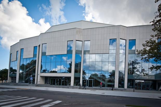Teatr Muzyczny w Gdyni tradycyjnie już lideruje w Trójmieście w środkach, które uzyskuje ze sprzedaży biletów i wynajmu swojej powierzchni - to około 9,5 mln zł. Cały budżet Muzycznego przekracza dzięki temu 21 mln zł.