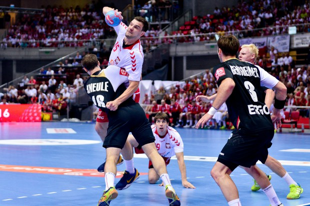 Jeszcze w czerwcu ubiegłego roku m.in. wygrywając w Ergo Arenie polscy piłkarze ręczni okazali się lepsi w play-off do mistrzostw świata od Niemców. Jednak w mistrzostwach Europy to m.in. ten rywal znalazł się w półfinale, a biało-czerwoni zagrają w piątek tylko o 7. miejsce.