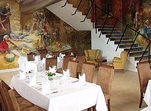 Wnętrze Restauracji Filharmonia jest niczym jej menu: zróżnicowane i łączące różne style.
