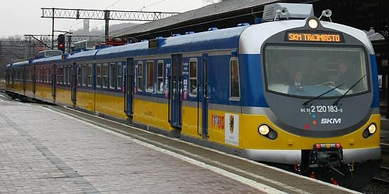 Najnowszy zmodernizowany pociąg SKM zabierze pasażerów już w poniedziałek.