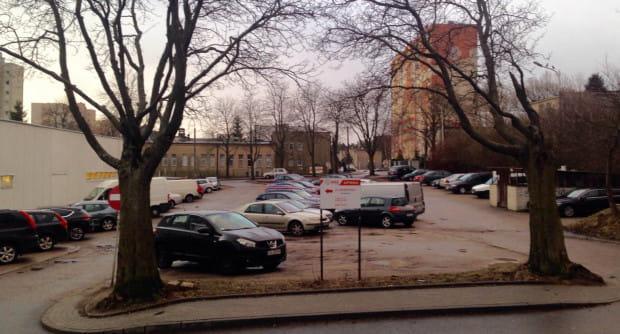 Na razie nie wiadomo, kiedy budynek powstanie. Problemem jest m.in. dostępność miejsc parkingowych dla mieszkańców osiedla.