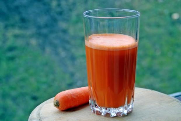 Zdrowe, słodkie, mało kaloryczne, niedrogie i dostępne niemal przez cały czas. Podpowiadamy, jak wykorzystać marchewkę dla zdrowia i urody.