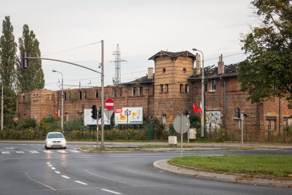 Ruiny dawnej zajezdni przy ul. Pomorskiej.