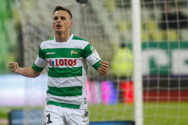 Sławomir Peszko był najczęściej strzelającym piłkarzem w meczu Lechia - Podbeskidzie. Próbował 6 razy, połowa z tych uderzeń była celna, a ostatnie ustaliło wynik spotkania na 5:0.