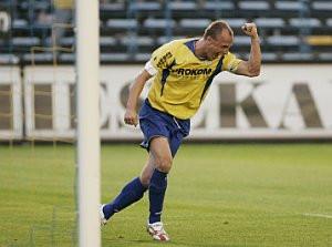 """Olgierd Moskalewicz grał przez pięć lat w jednej drużynie z Piotrem Mandryszem, ale to """"Olo"""" w dużej mierze sprawił, że Piast wyjechał z Gdyni bez punktów."""