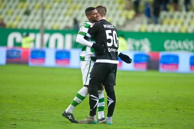 To nie był mecz nie tylko Gersona i Marko Maricia. Obrońca w Kielach został wyrzucony z boiska na początku drugiej połowy. Bramkarz m.in. dwukrotnie wyciągał piłkę z siatki po karnych, a raz po samobójczym golu.