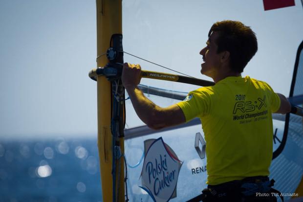 Piotr Myszka po raz drugi w karierze został windsurfingowym mistrzem świata w klasie olimpijskiej seniorów.